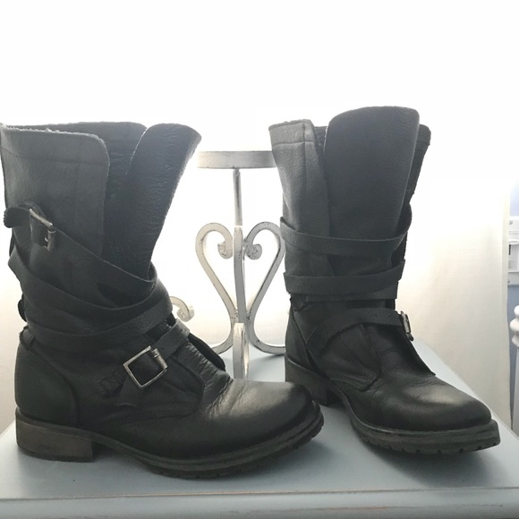 c3abf7f9ff2 Steve Madden Banddit Boots. M 5ab050c1a825a61689a19bed